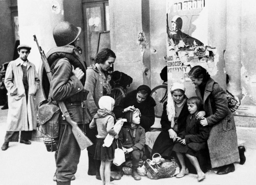 Zivilisten in Warschau unmittelbar nach dem Kriegsbeginn, September 1939