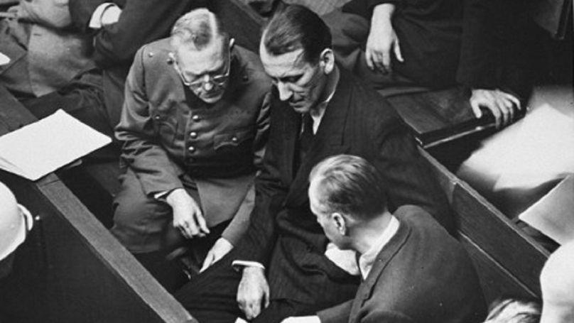 Wilhelm Keitel, Ernst Kaltenbrunner et Alfred Rosenberg sur le banc des accusés