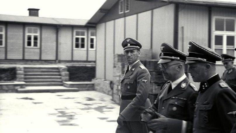 Kaltenbrunner avec le commandant du camp Franz Ziereis, Himmler lors de l'Inspection du camp de concentration de Mauthausen en avril 1941