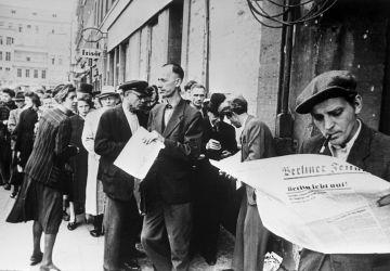 Германия 1945 год  Жители Берлина в первые месяцы после окончания войны