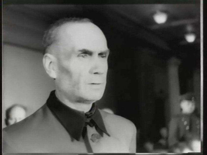 Bild aus der Filmchronik des Rigaer Prozesses. SS-Obergruppenführer Friedrich Jeckeln macht Aussage. Haus der Offiziere, Riga, Lettische Sowjetrepublik. 1946