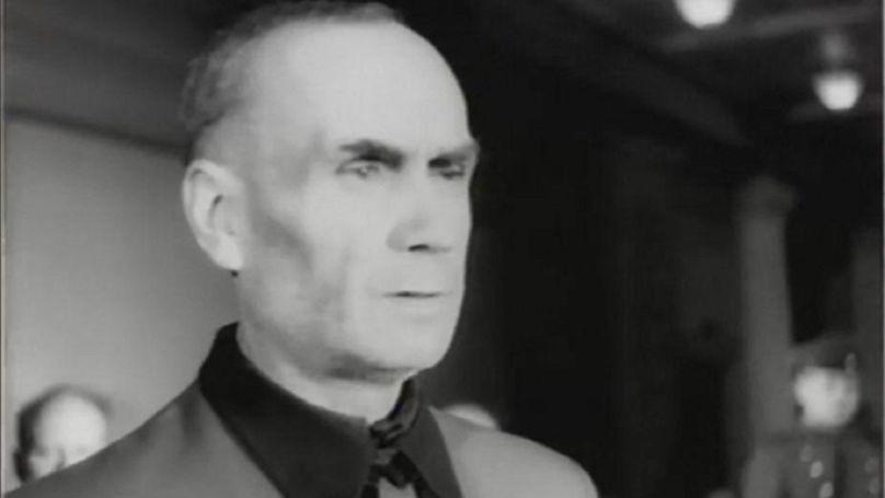 Image tirée du film d'actualité sur le procès de Riga. Le SS-Obergruppenführer Friedrich Jeckeln est entendu par le tribunal. Maison des officiers, Riga, RSS de Lettonie, 1946.