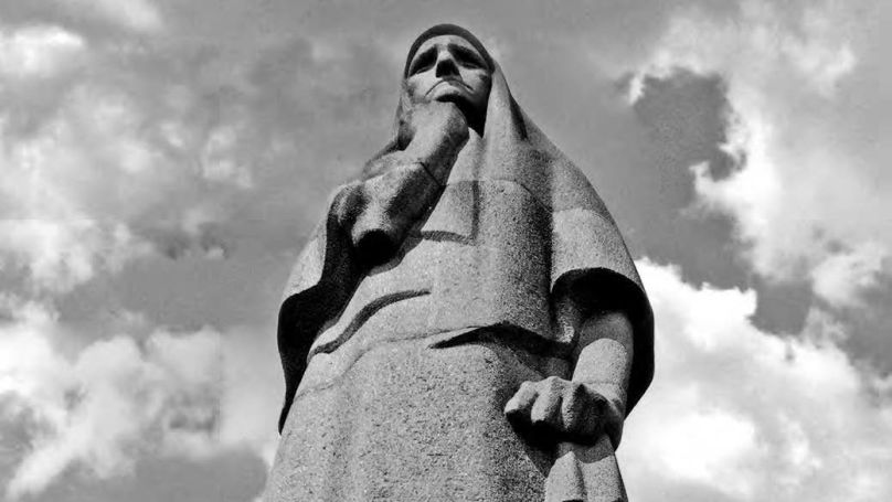 Le 24 juillet 1960, pour commémorer les victimes du fascisme, un monument représentant une figure de la mère en deuil a été solennellement inauguré à Pirciupiai (Lituanie).