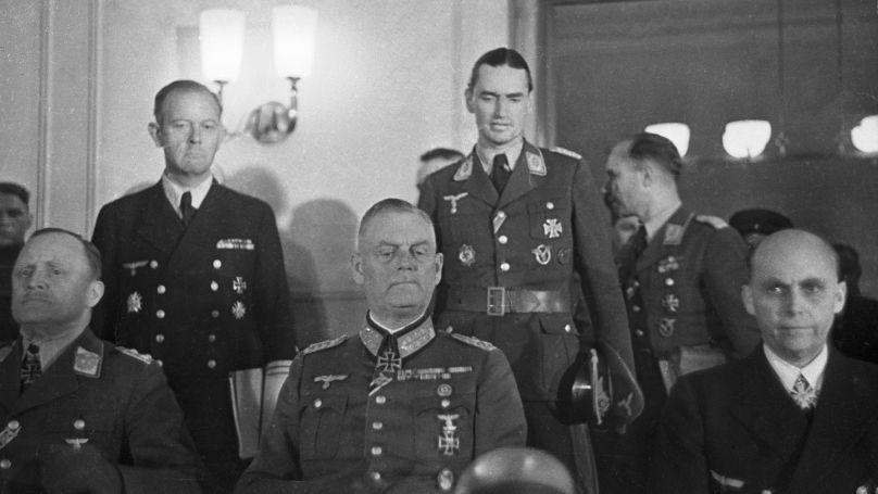 Wilhelm Keitel lors de la signature de la capitulation allemande le 8 mai 1945