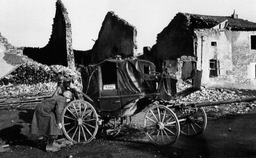 Metz, France, 4 December 1944 © AP Photo, Ralph Morse