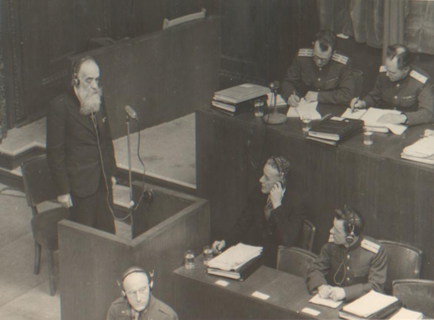 Interrogatoire du témoin Joseph Orbeli Archives d'État de la Fédération de Russie, F. R-7021, op. 128, D. 279, L. 16 / Photo d'Evguéni Khaldeï / Portail Web «Сrimes nazis en URSS»
