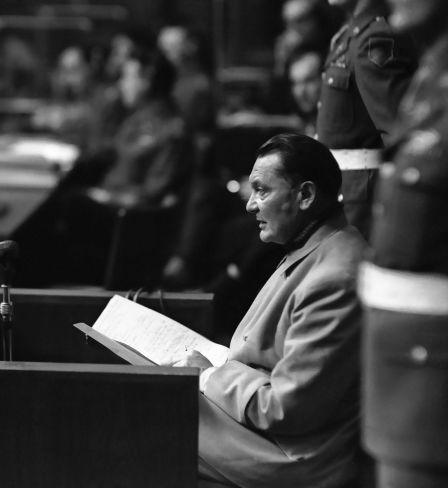 Hermann Göring beim Nürnberger Prozess