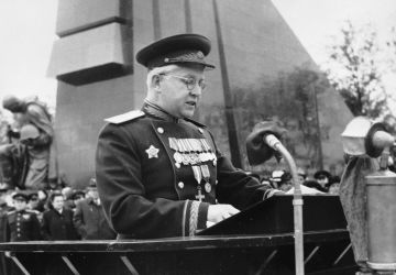 The Commandant of Berlin, Major General Alexander Kotikov, speaks at the opening of the Soviet war memorial to commemorate the defeat of Nazi fascism. Treptower park, Berlin.