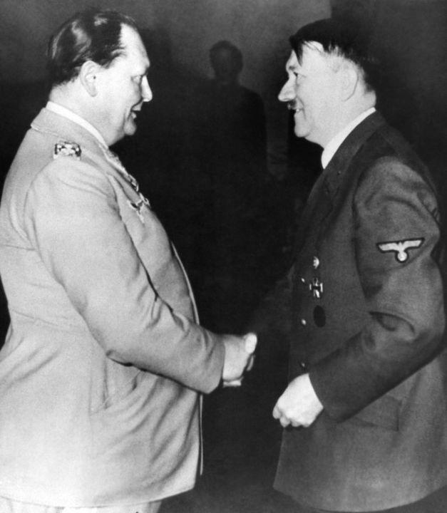Герман Геринг и Адольф Гитлер, 3 июня 1943 г.