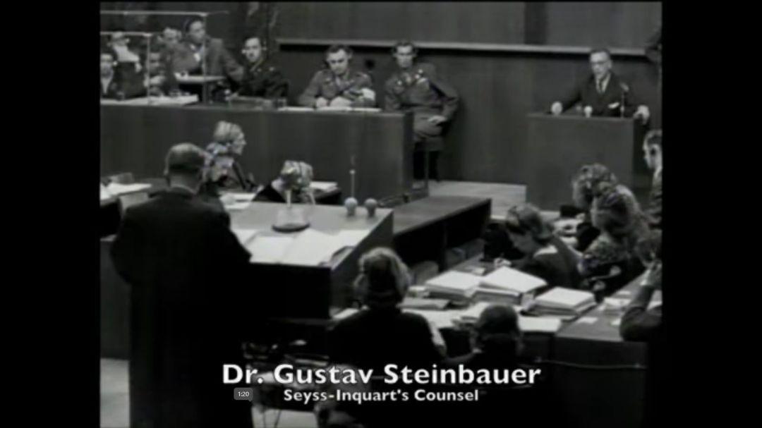 Gustav Steinbauer Der einzige Österreicher unter den Anwälten Verteidiger von ArthurSeyß-Inquart Nach dem Anschluss Österreichs verheimlichte Steinbauer nicht seine Anti-Hitler-Stimmungen, wonach er auf die Liste der politischen Gegner des Systems gesetzt und ins Gefängnis geschickt wurde. Nach der Freilassung wurde ihm noch einige Zeit verboten, die Anwaltspraxis zu führen. In Wien durchsuchte die Gestapo mehrmals seine Wohnung wegen seiner langjährigen Freundschaft mit dem von Nazis getöteten BundeskanzlerEngelbertDollfuß. In die Armee wurde er lange nicht eingezogen, weil er als unzuverlässig und unwürdig zur Verteidigung des Dritten Reichs galt – so war es bis 1944, alsesDeutschland massiv an Soldaten mangelte. An der Frontgeriet er in amerikanische Kriegsgefangenschaft. Im November 1945 wurde er nach der Freilassung aus der Gefangenschaft Vorsitzender der Wiener Rechtsanwaltskammer. Für seine Heranziehung als Verteidiger im Nürnberger Prozesssetzte sichder General und künftige US-Präsident Dwight Eisenhower ein.