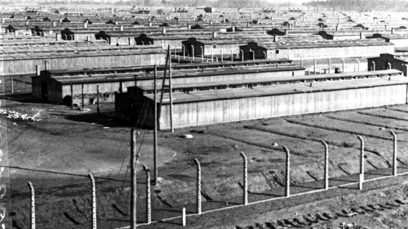 Les casernes du camp de concentration d'Auschwitz, janvier 1945.