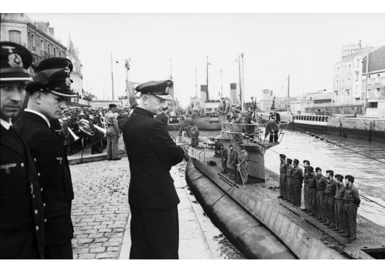 Befehlshaber der deutschen U-Boote Karl Dönitz