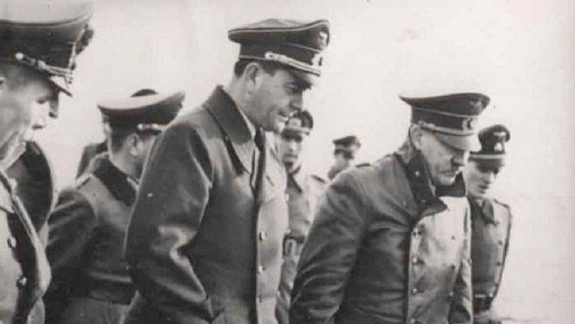 Adolf Hitler et le ministre de l'Armement et de la Production de guerre du Reich Albert Speer, 1943. Archives d'État de la Fédération de Russie, F. 7021. Op 128. D. 279. L.1.