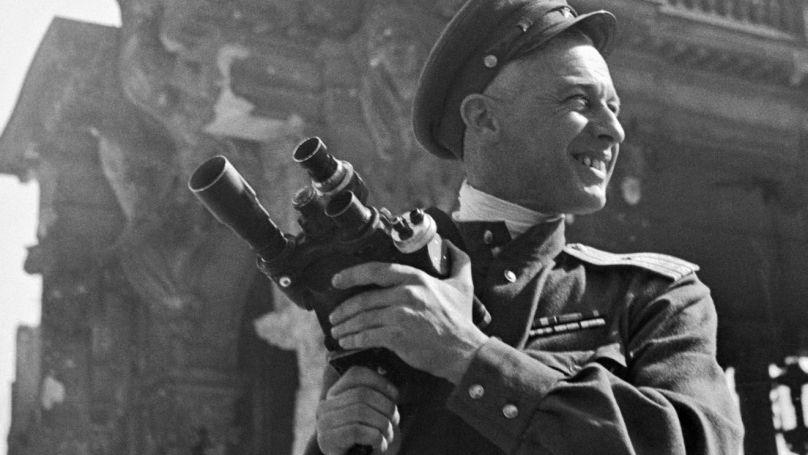 Le réalisateur Roman Carmen à Berlin, 1945