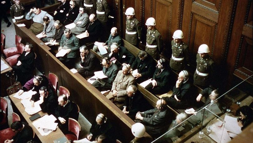 Chacun de ceux qui ont assisté au procès de Nuremberg s'est inévitablement posé la question suivante: les accusés ne sont-ils pas des malades mentaux? // Sur la photo: la salle du tribunal de Nuremberg