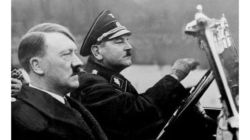 Julius Schreck, le premier Reichsführer-SS, et Adolf Hitler