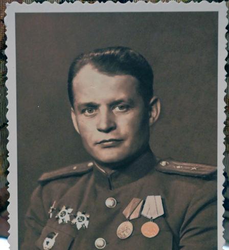 Dmitri Reznitchenko. 1945. Archives de la famille Reznitchenko. Au procès de Nuremberg il avait le grade de major et le poste de procureur militaire de Leipzig. Il n'avait que 32 ans.