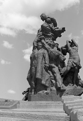 Monument to victims of fascism in Baby Yar