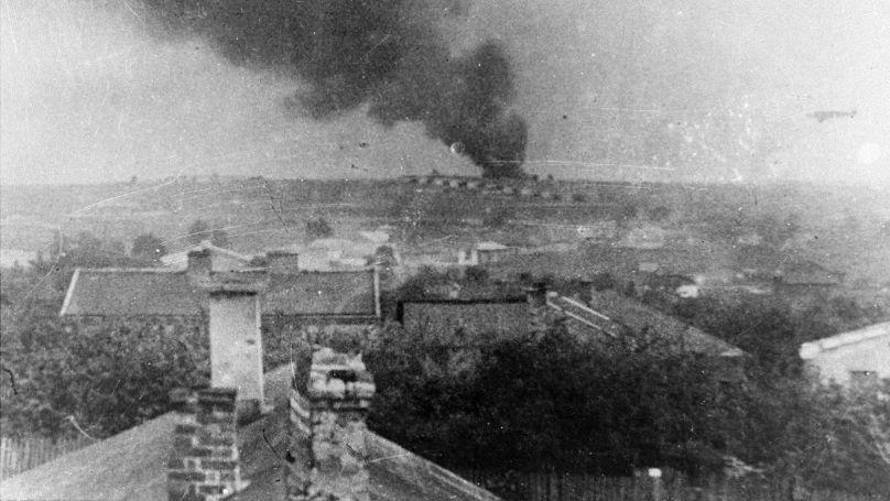 La fumée au-dessus du camp de concentration de Majdanek, 1943 // USHMM