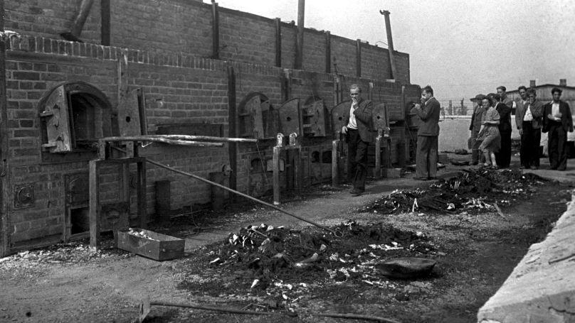 Le camp de concentration de Majdanek après la libération. Les fours crématoires, où les nazis brûlaient les cadavres des prisonniers des camps de la mort.