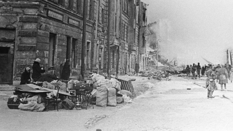 Rue de Leningrad, 1942