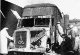 Un Gazwagen cassé, véhicule qui servait de chambre à gaz mobile