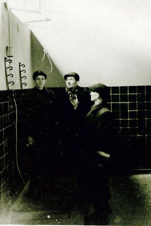 Dans une prison à Poznan, les nazis ont aménagé une «chambre de la mort» où ils ont torturé et tué des habitants locaux. Sur la photo: nœud pour étrangler les victimes. GARF. F.R-7021. Op. 128.D. 247. L. 10ob.
